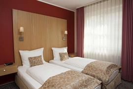 95389_005_Guestroom
