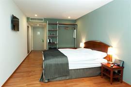 94229_005_Guestroom