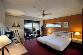 92671_003_Guestroom