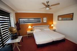 92671_004_Guestroom