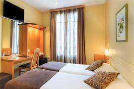 93551_006_Guestroom