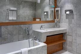93685_002_Guestroom