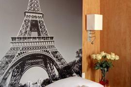 93685_004_Guestroom