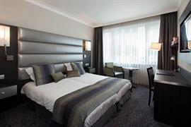 92922_006_Guestroom