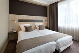 92922_007_Guestroom