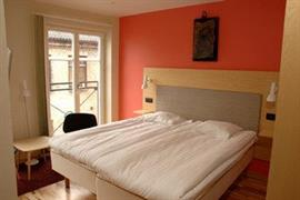 88144_001_Guestroom