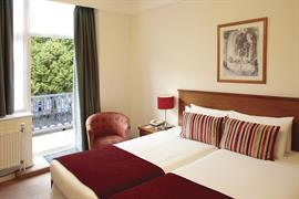 hotel-royale-bedrooms-06-83884