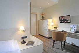 95318_005_Guestroom