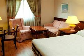 88142_005_Guestroom