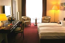 95156_003_Guestroom