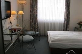 95156_004_Guestroom