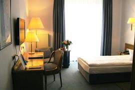 95156_006_Guestroom