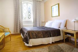 91051_003_Guestroom
