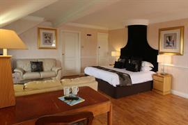 hotel-smokies-park-bedrooms-08-83708