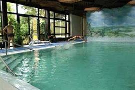 95272_003_Pool
