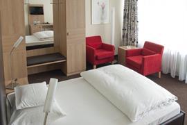 95272_006_Guestroom