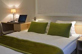 94232_006_Guestroom
