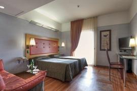 98332_003_Guestroom