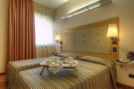98332_004_Guestroom
