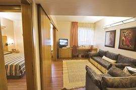 98332_007_Guestroom