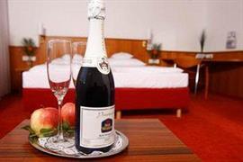 95344_003_Guestroom