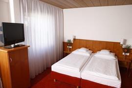 95344_006_Guestroom