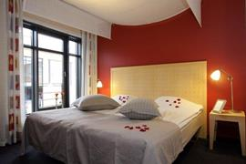 96093_005_Guestroom