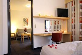 96093_006_Guestroom
