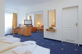 95467_005_Guestroom