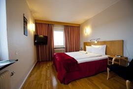 88168_002_Guestroom