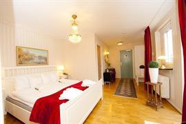 88168_004_Guestroom