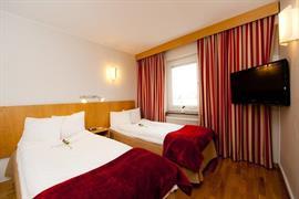 88168_006_Guestroom