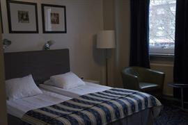 88210_003_Guestroom