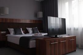 81030_006_Guestroom