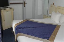 93503_006_Guestroom