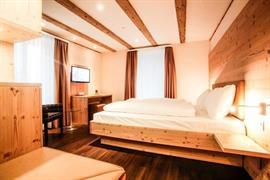 94228_005_Guestroom