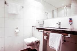 94228_006_Guestroom
