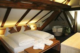 94228_007_Guestroom