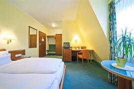 95431_005_Guestroom