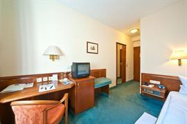 95431_006_Guestroom