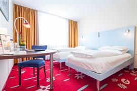 95327_007_Guestroom