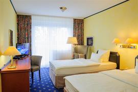 95240_005_Guestroom