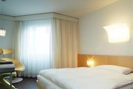 94230_004_Guestroom