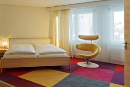 94230_005_Guestroom