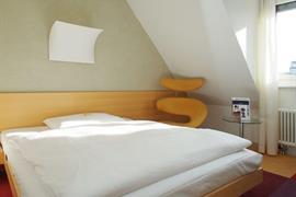 94230_006_Guestroom
