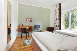 88060_006_Guestroom