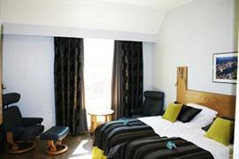 73083_005_Guestroom