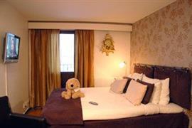 88157_004_Guestroom