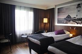 88206_005_Guestroom
