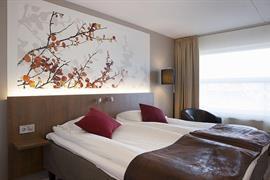88203_007_Guestroom